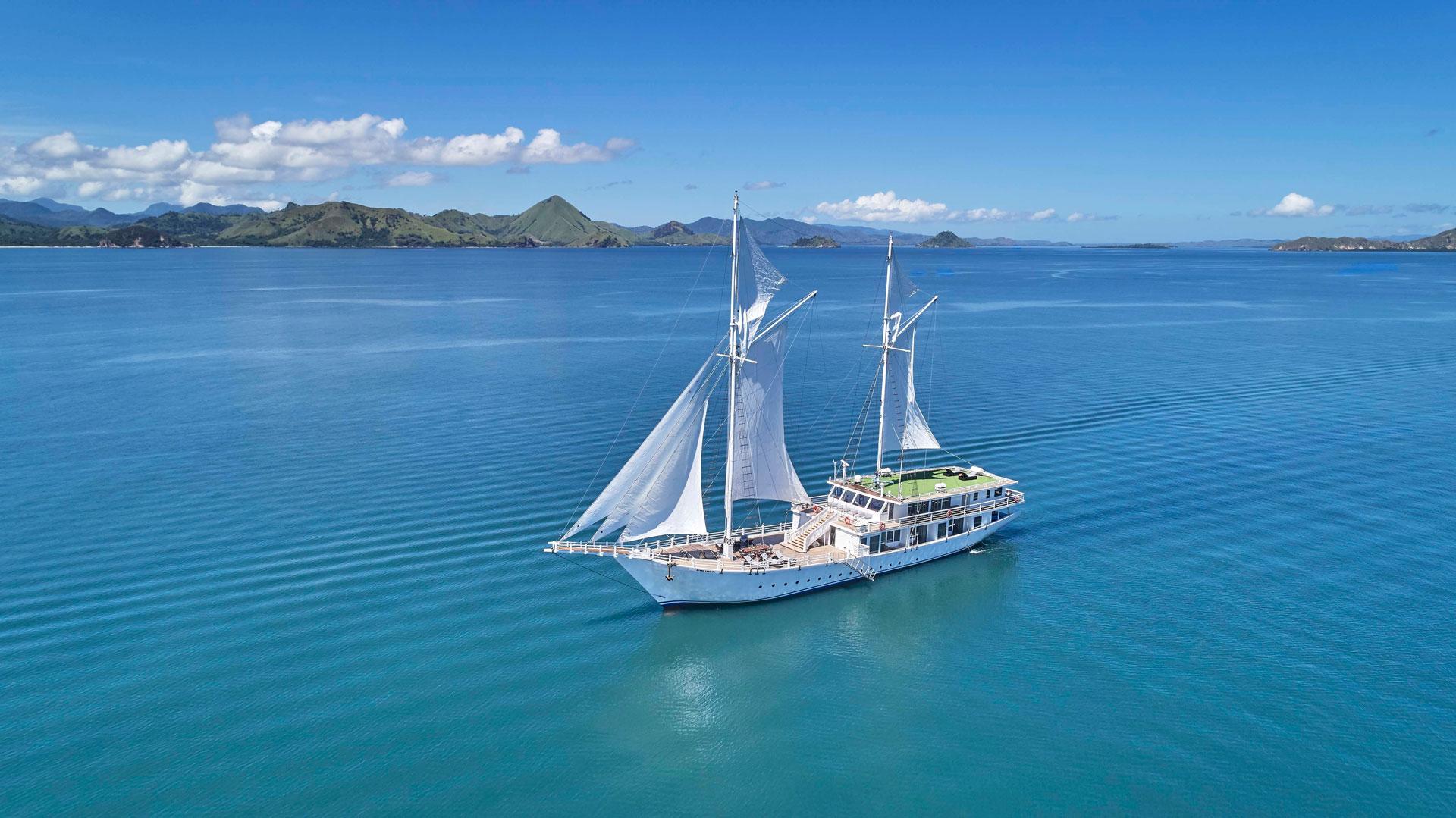 アヤナ ラコディア号で美しい海を堪能するあこがれのクルーズ旅を体験